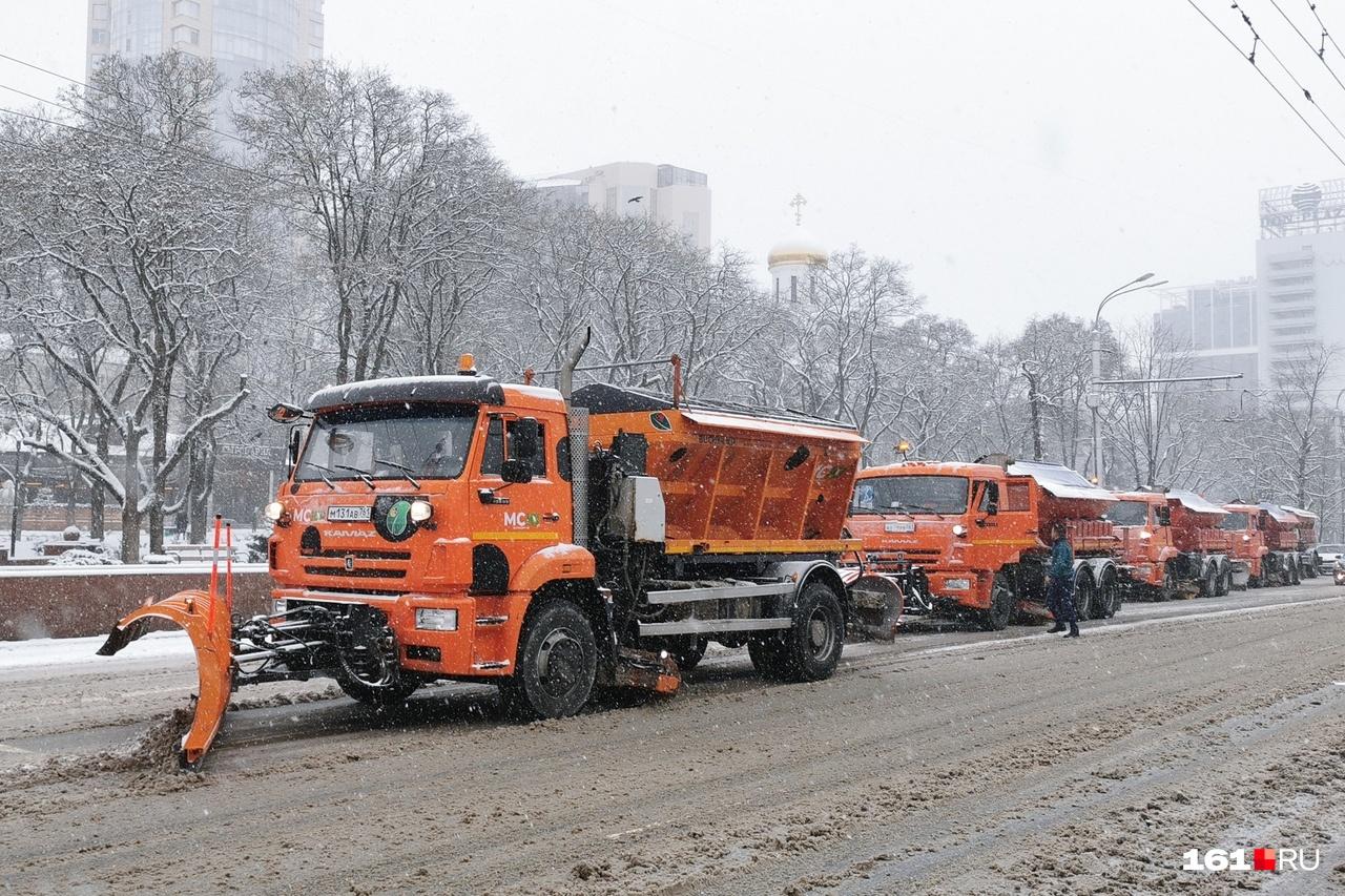 А вы видели, как убирали снег с ростовских дорог?