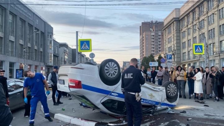 Что грозит водителю «Лексуса», из-за которого перевернулась машина ДПС в Новосибирске? Объясняет юрист