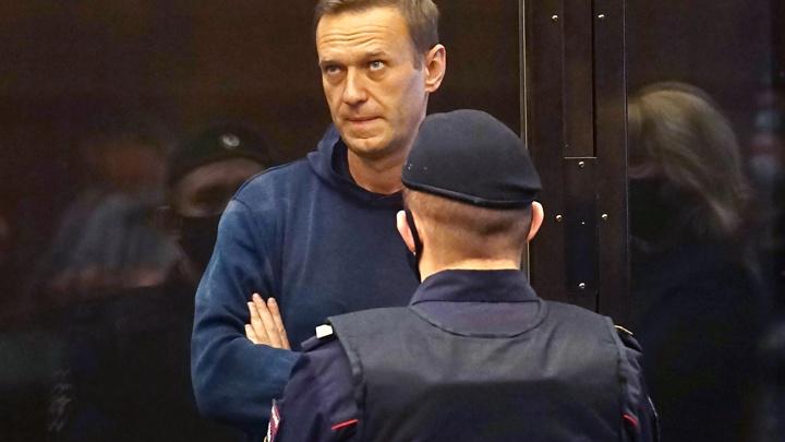 ФСИН попросила отправить Навального в колонию на 3,5года