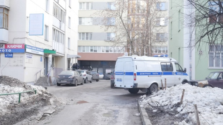 В штаб Навального в Нижнем Новгороде пришли силовики. Предположительно в здании проходил обыск