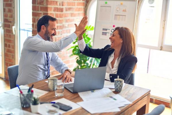 Зарплатный проект ПСБ включает в себя все необходимые финансовые инструменты для компании