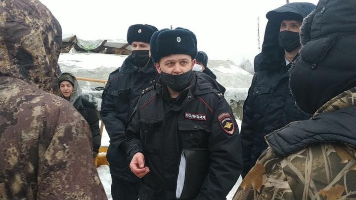 В лагерь на Шиесе пришла полиция. Активистов снова попросили убрать палатки