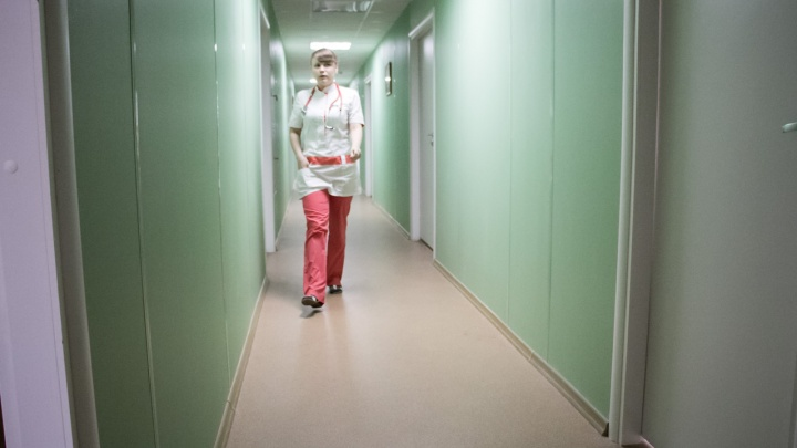 Половина заболевших коронавирусом молодежи вАрхангельской области— подростки 15–17лет