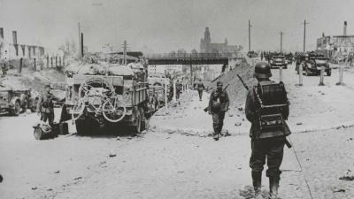 «Заставляют с драгункой драться против танков»: что написано в рассекреченных документах про первые дни войны