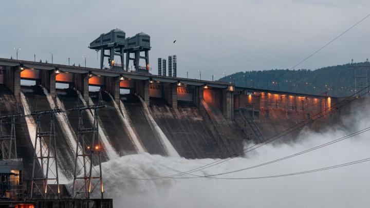 Водосброс на Красноярской ГЭС в очередной раз решили не увеличивать