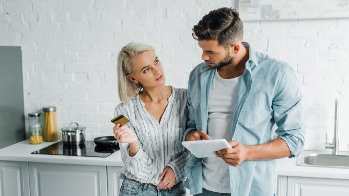 Кредитная карта или потребительский кредит — что удобнее и выгоднее