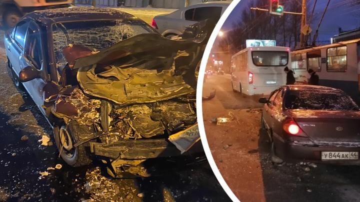 Водитель легковушки, протаранивший маршрутку с пассажирами: «Я что-то нарушил?»