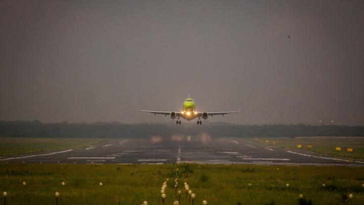 Двухлетнему ребенку стало плохо в самолете, летевшем из Новосибирска в Ульяновск