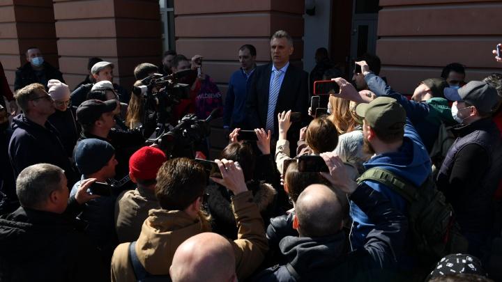 Бизнесмены из Екатеринбурга объявили сбор подписей, чтобы вытащить свои деньги из «Нейвы»