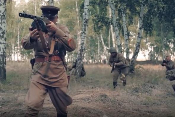 В фильме рассказывается о трагической судьбе революционера Карбышева, погибшего в «лагере смерти»