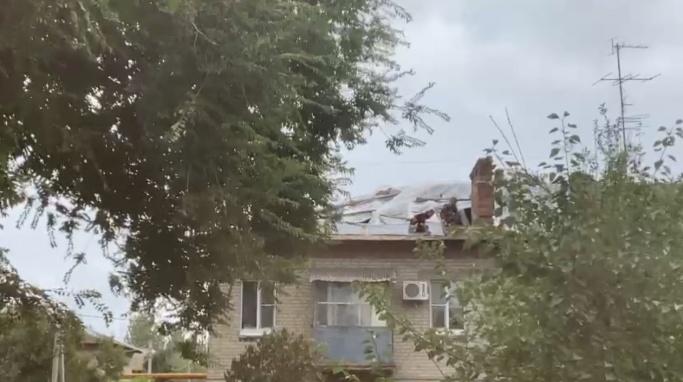 В Волгограде наказали виновника протекающих крыш домов в поселке Мирном