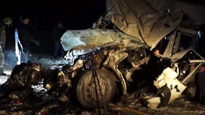 В Самарской области пострадавших в массовой аварии с десятью погибшими будут эвакуировать вертолетом