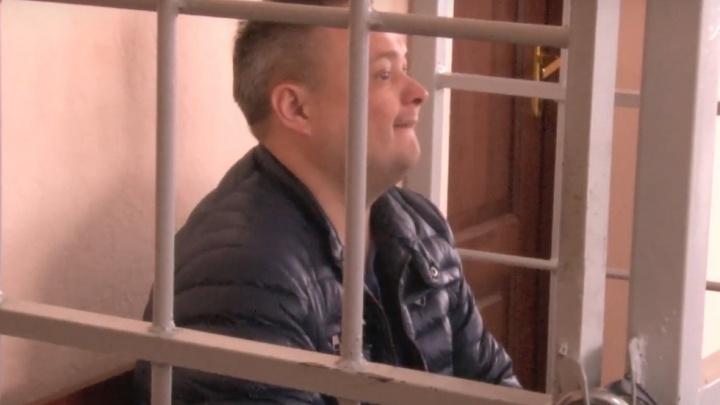 Помощнику начальника городского УМВД, которого подозревают во взятке, на месяц продлили арест