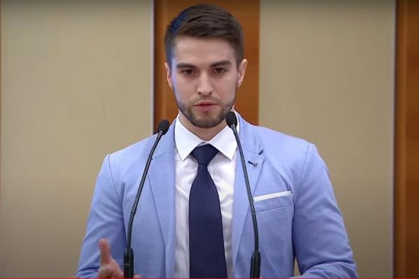 Омич Степан Кошкарёв уже не в первый раз выступает на слушаниях