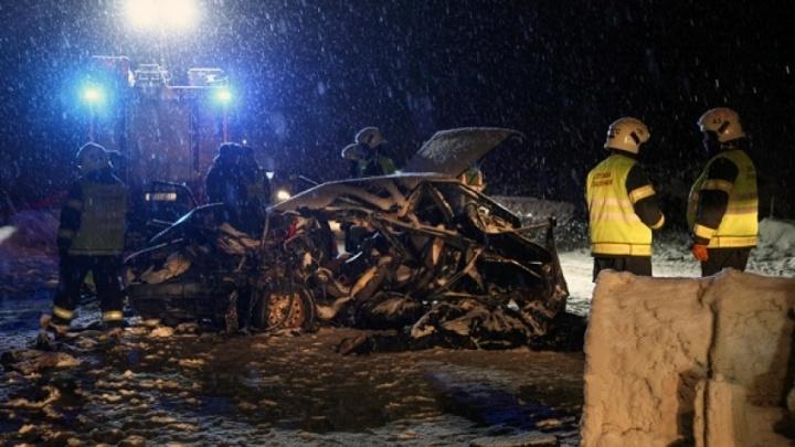 «Было много техники и черные пакеты»: в аварии на северодвинской трассе погибли четыре человека