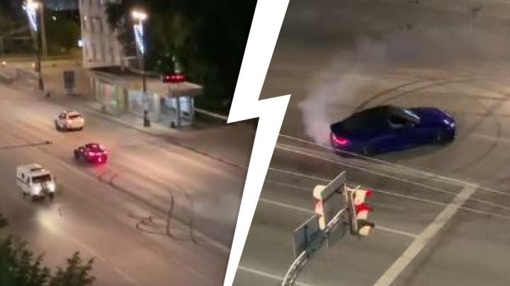Ночью безумец за рулем BMW на глазах у полицейских устроил опасный дрифт на Свердлова