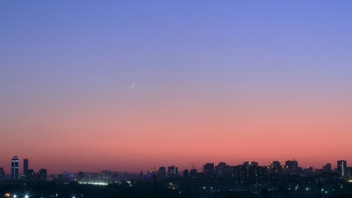 Доставайте бинокли: в июле в небе над Екатеринбургом планеты «устроят танцы»