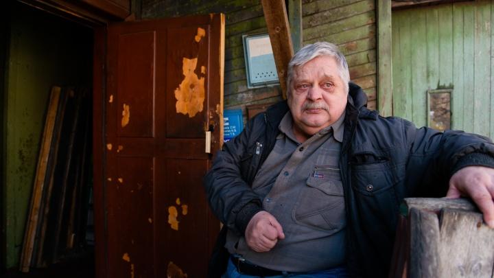 «Нам нужно давать медали за выживание»: в одном из старейших домов Архангельска 3месяца нет воды