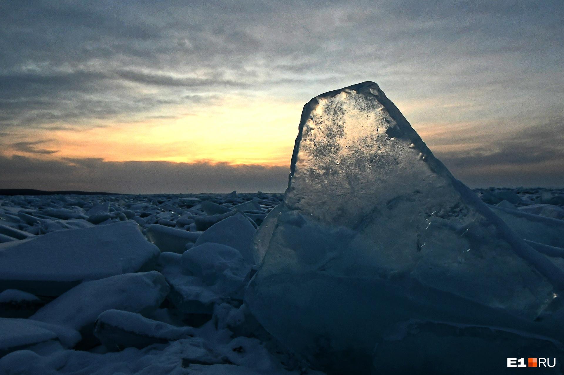 Первая встреча с Байкалом — ледяные торосы