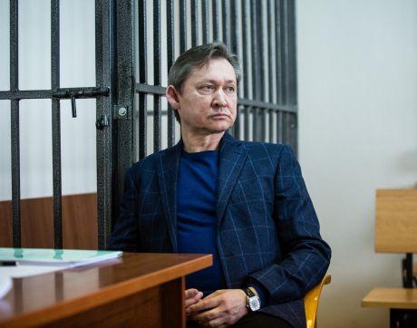 Экс-мэр Сургута Дмитрий Попов потребовал извинений от прокурора и 24 млн от государства