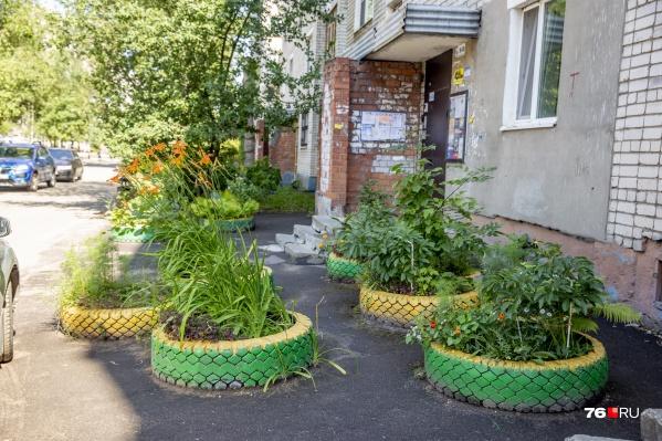 Жители Заволжского района горячо любят резиновый декор