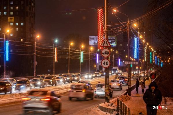 Автомобилистов, которые ездят по Ленинградскому мосту, непростые времена ждут уже меньше чем через два месяца