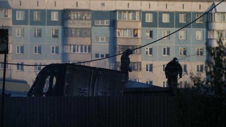 7 человек находятся в реанимации после пожара на заправке в Новосибирске