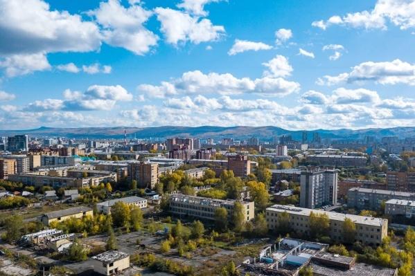 Это территория между улицами Мечникова, Красномосковской, <nobr>8 Марта</nobr> и железной дорогой. В прошлом тут был военный городок