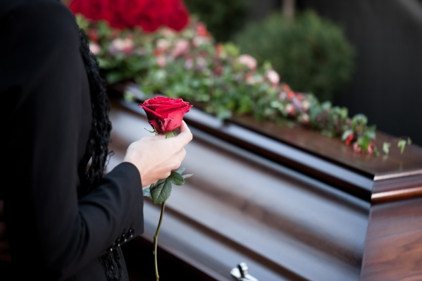 Чтобы организовать похороны без лишней суеты и ненужных расходов, важно найти подходящую компанию-помощника
