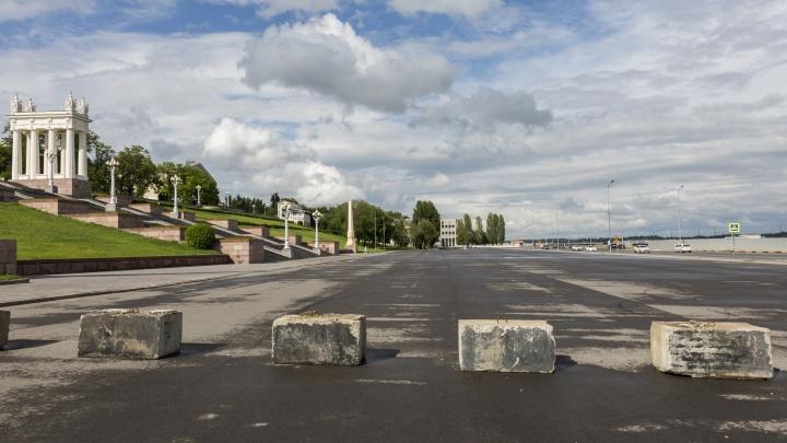 Чтобы любители дрифта не заезжали: на набережной Волгограда появились противотаранные блоки