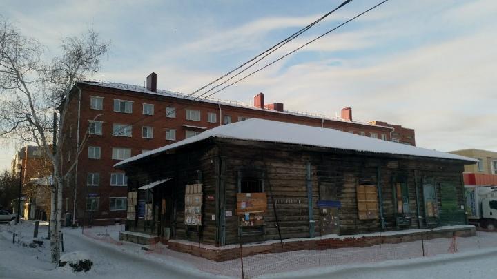 Бизнесмену грозит штраф за нелегальный ремонт крыши исторического здания