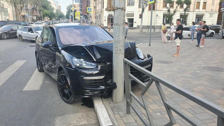 Полицейские рассказали, кто спровоцировал ДТП с Porsche в Самаре