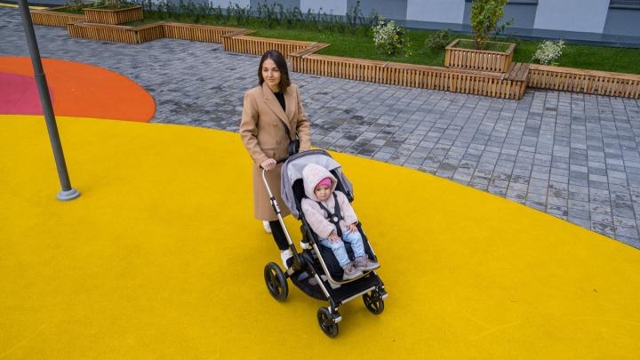 Крутые маневры с детской коляской: справится ли новостройка с проверкой взыскательной мамы