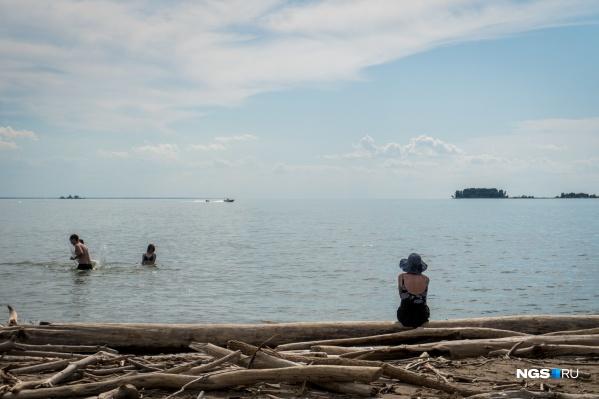 Центральный пляж Академгородка переходит муниципалитету