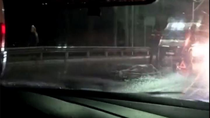 В Переславле на пешеходном переходе минивэн сбил женщину