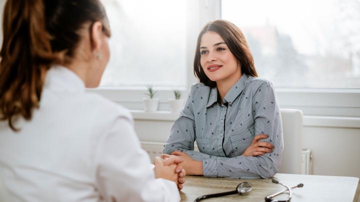 Когда не стоит замалчивать: какие болезни чаще всего скрывают женщины и почему от них пора избавиться