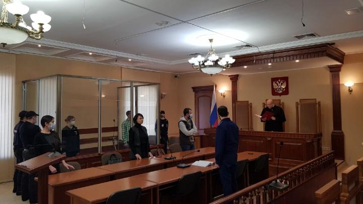 В Омске школьнице, жестоко убившей мать, вынесли приговор
