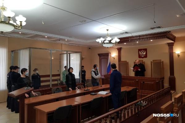 Подростков взяли под стражу в зале суда