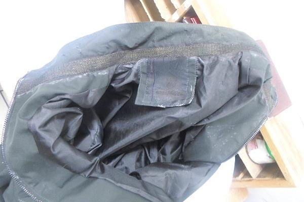 Арестованному новосибирцу в СИЗО попытались передать куртку, пропитанную наркотиками