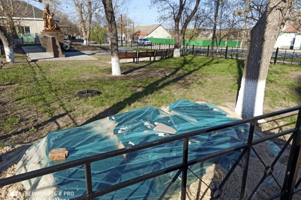 Чиновники обещают, что ни один из монументов разрушен не будет