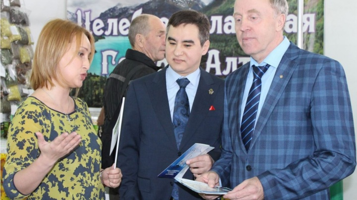Зачем в Москве работает представительство Тюменской области? И как его глава связан с ярмаркой и ЦУМом