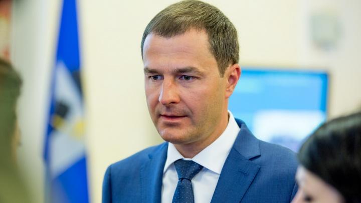 «В нормальном городе мэр бы уже подал в отставку»: Владимиру Волкову предложили сложить полномочия