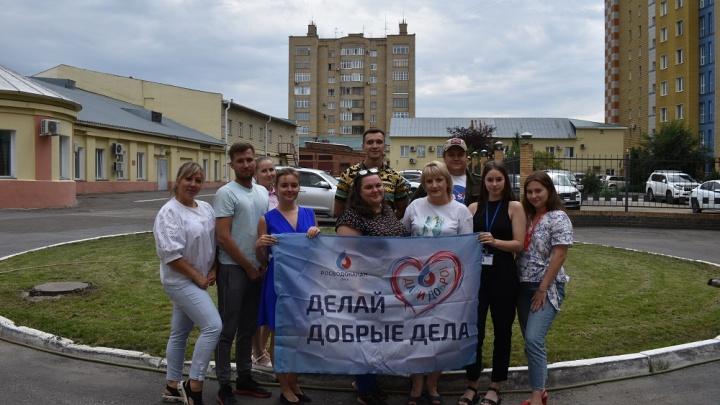 Сотрудники «Росводоканал Омск» помогли бездомным животным и убрали мусор в парках города