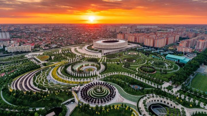Слава Степанов снял с высоты огромный парк в Краснодаре — смотрим, во что вложили 4 миллиарда