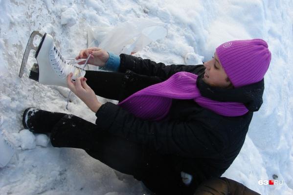 Любителям покататься на коньках в парке придется ждать следующей зимы