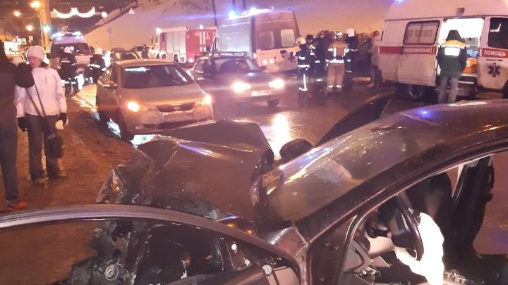 Пятеро человек пострадали в ДТП на Похвалинском съезде