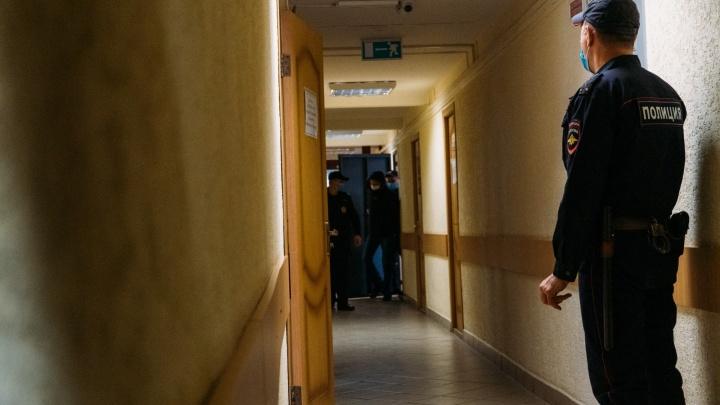 В Омске троих братьев Кролевец осудили за обналичку