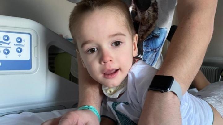 Никто не верит в его диагноз: малыш из Волгограда, пострадавший от страшной инфекции, учится ходить заново