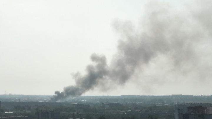 Челябинцев переполошил огромный столб черного дыма