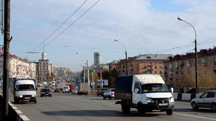 Островок безопасности на Ленинградской площади будет устанавливать горьковское ПАТП